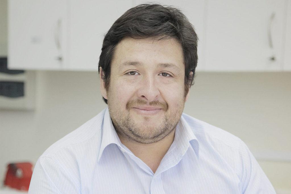 CRISTIÁN VALDERRAMA, Director de Escuela Terapia Ocupacional (Concepción).
