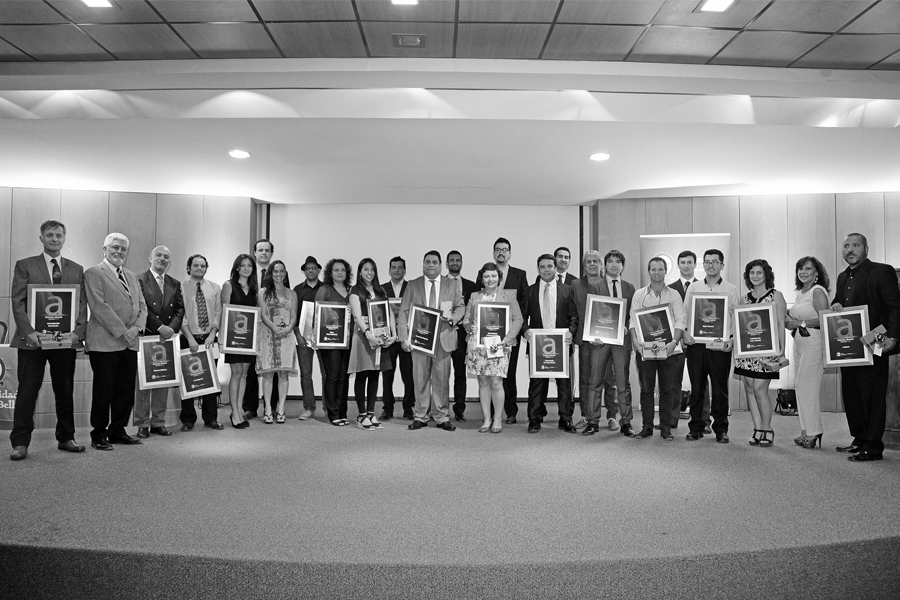 Premiación Alumni UNAB (2014).