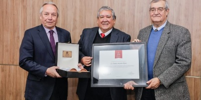Ramiro Arratia, profesor emérito 2019
