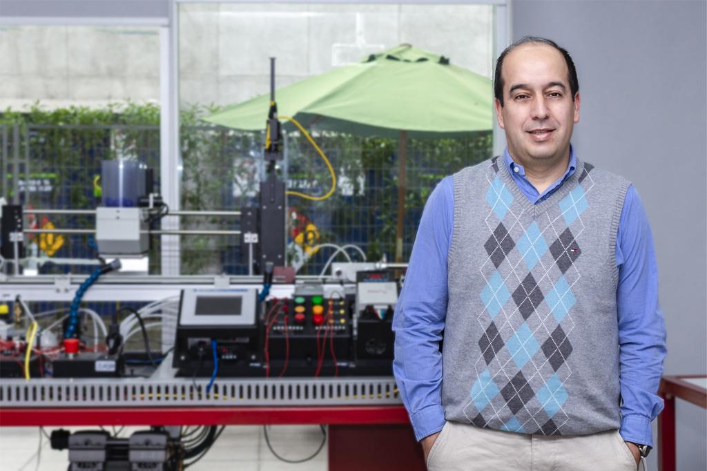 ALEJANDRO CÓRDOVA, Director de Ingeniería Civil Industrial (Santiago).